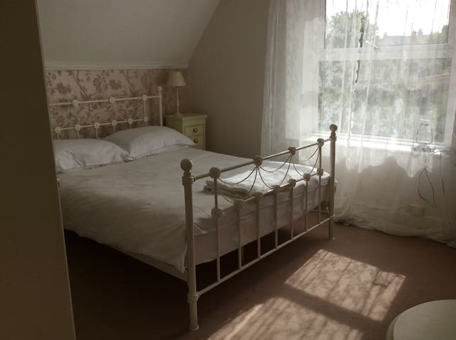 Lovely room in pretty harbour town - Watchet - House