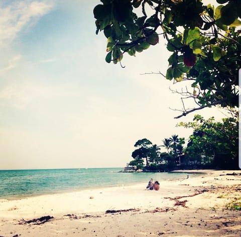 Refúgio na Praia em Bom Jesus dos Pobres, Saubara