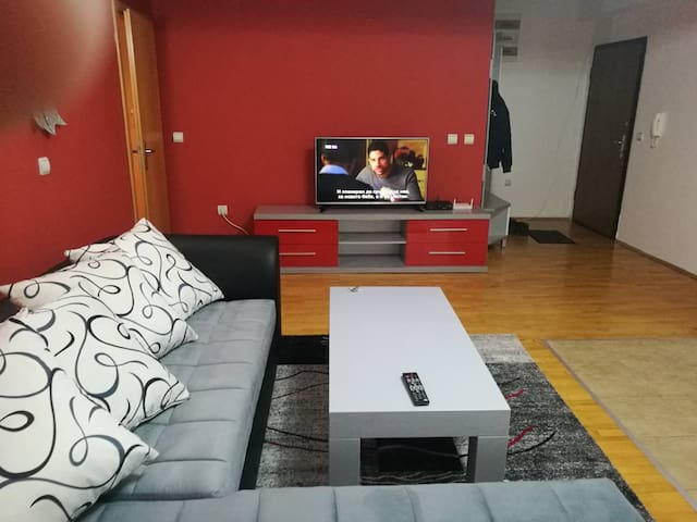 Apartment with 6 beds in Skopje