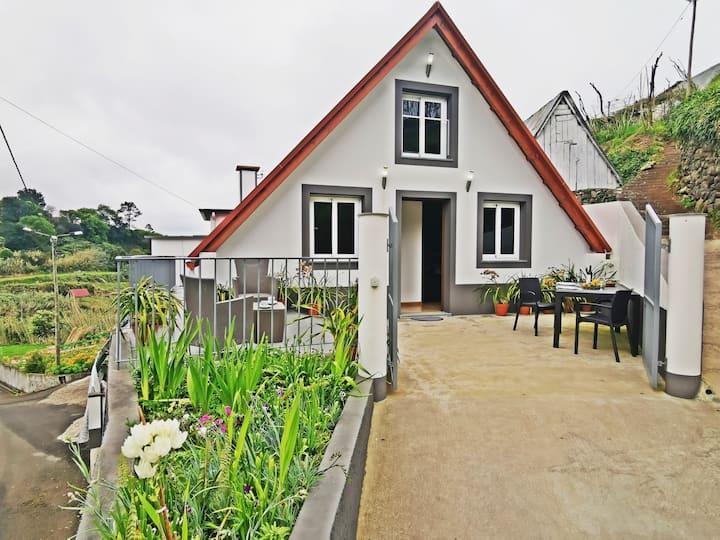 Typical House of Santana - Casa do Avô