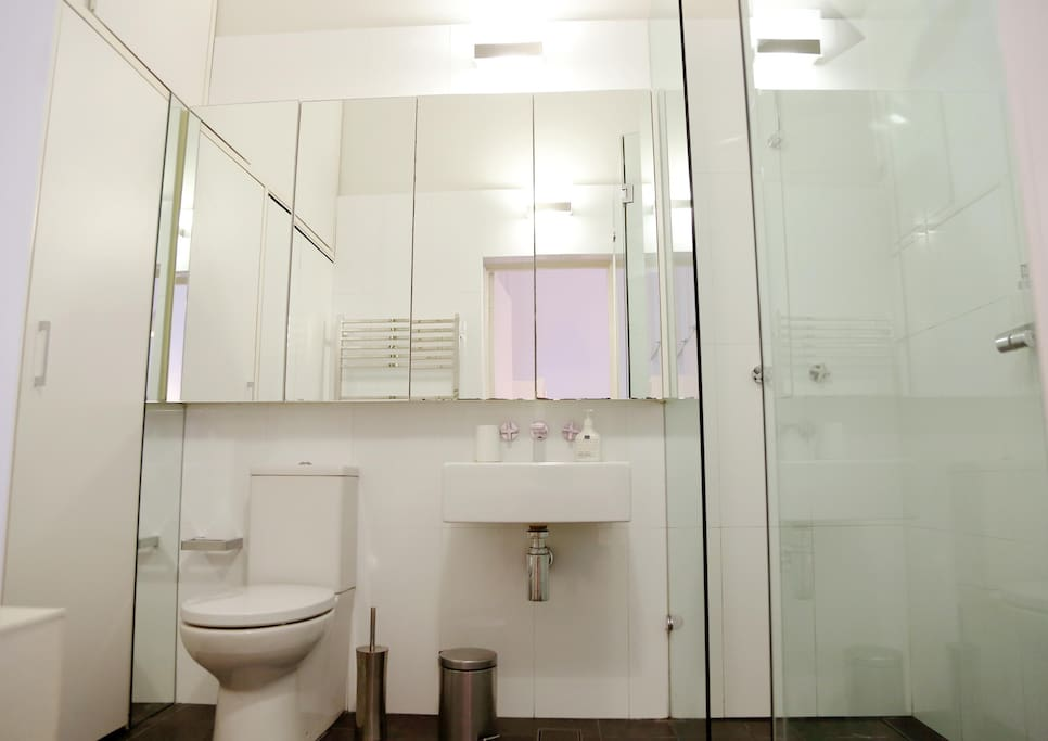 Bathroom with laundry facilities