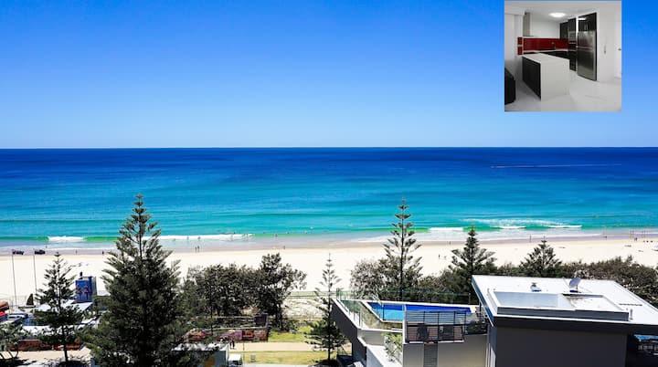 Beachfront Apartment With Panoramic Ocean Views