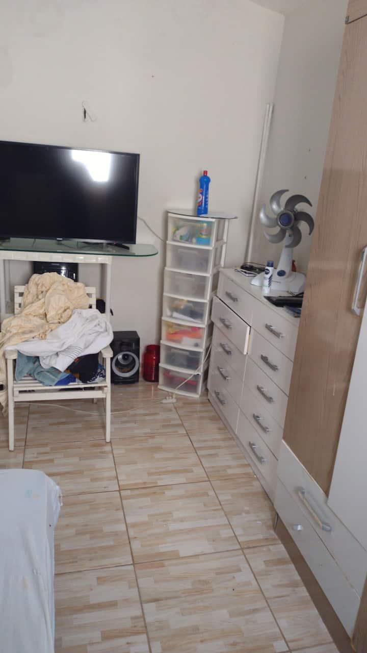 Casa 4 quartos mobiliada Brisamar + 6 colchoes