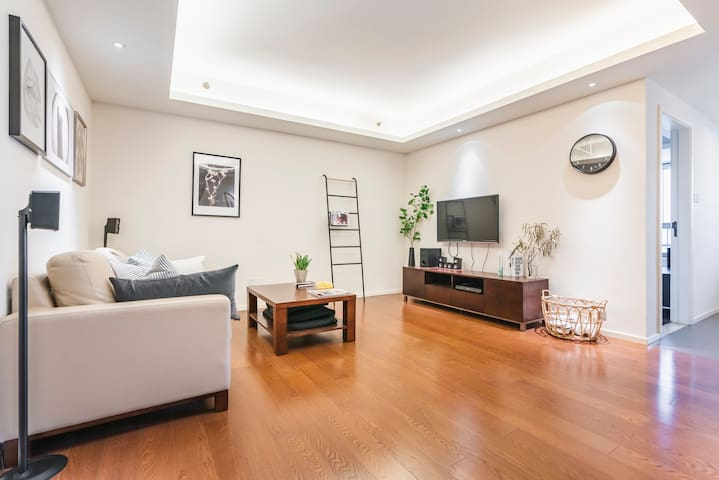 上海站附近的典雅2房,豪华简约装修风格。毗邻五月花生活广场
