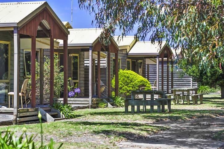 Surfside Cabin #2 - Ocean Grove 2 Bedroom  Unit - Ocean Grove - Casa de campo
