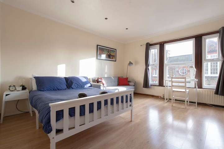 LOVELY NORTH LONDON FLAT NEAR SEVEN SISTERS TUBE