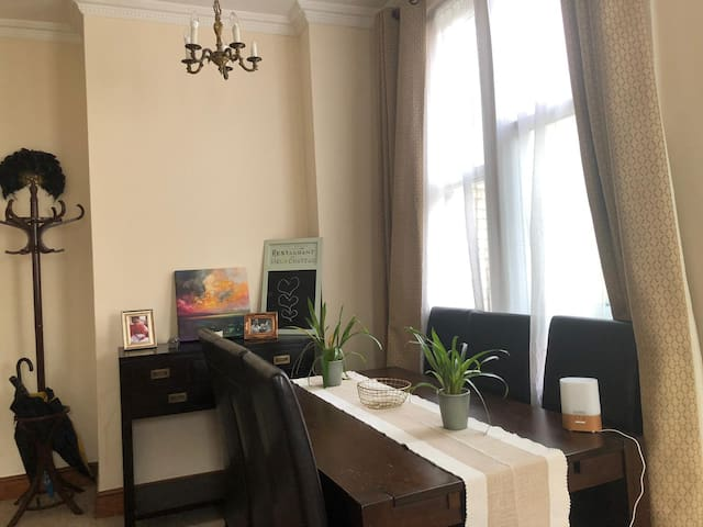 Amazing 2-bedroom home in Camden, Central London