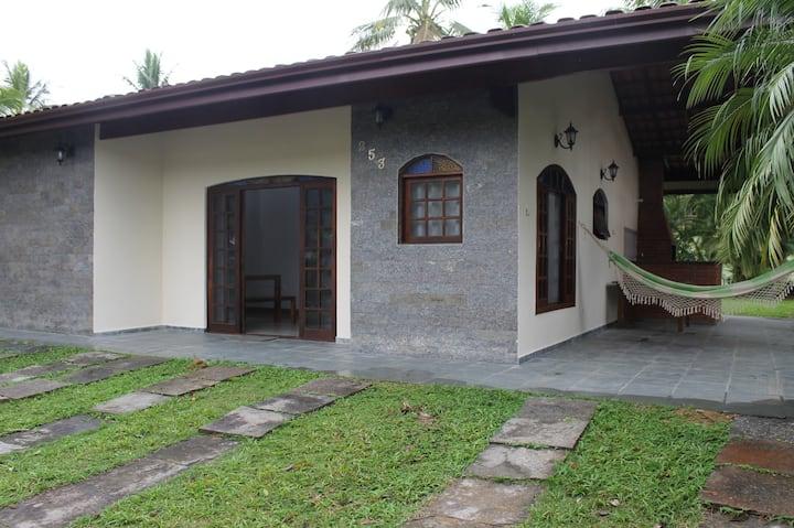 Casa em Condomínio fechado - praia e campo