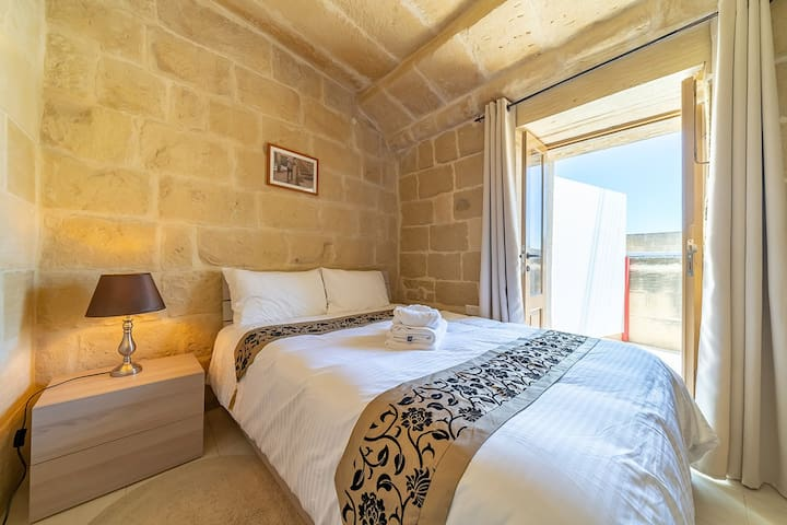 Ta Pinu BnB - Economy Double Room with Terrace