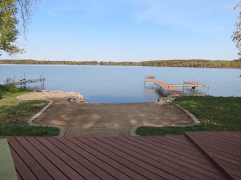 Fremont Cottage Lake House - Close to Minneapolis