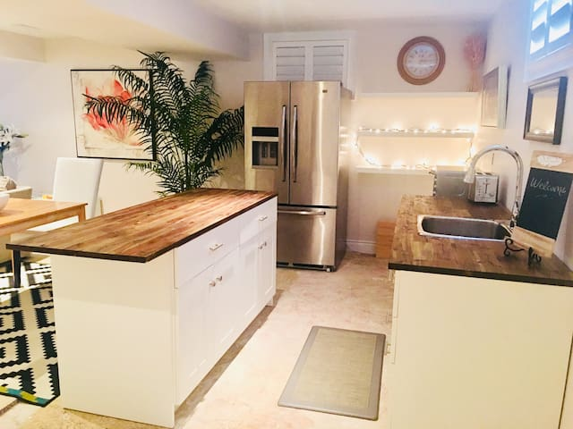 Collingwood-Blue Mountain Lux 2 Bed Suite