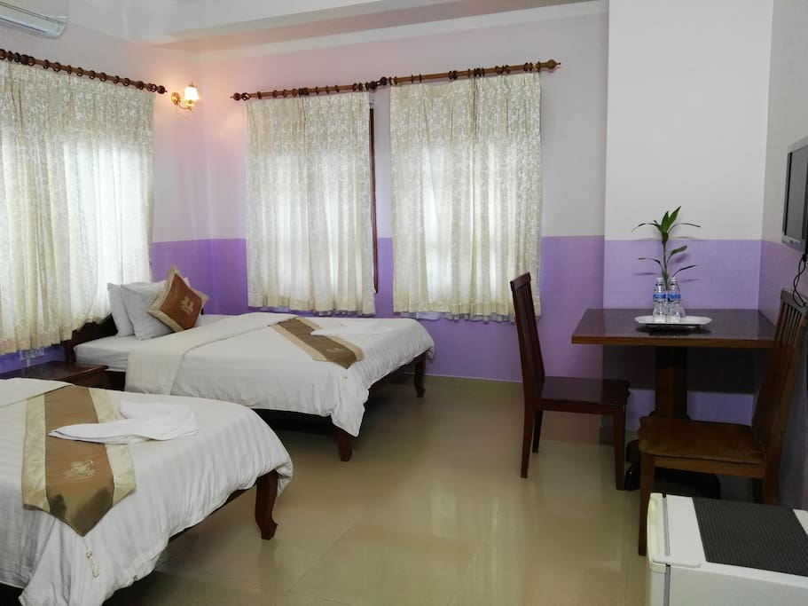 Popular 23 sq meter room with the bed facing the private view to the Siem Reapn River and other side to the villge. En-suite facilities including private bathroom with standard facilities. Air conditioning and ceiling fans. 2 to 3 adults only. 1 Double with 1 x 160 cm bed - 1 bed with