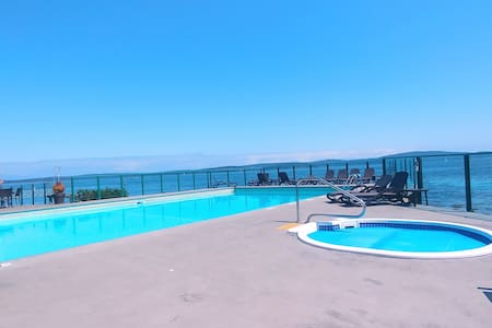Oceanfront ►Inn Of The Sea ◄ Away From The Crowds