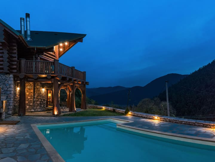 Mythica Chalet 250μ2, private pool & sauna