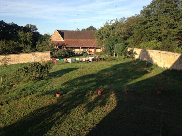 Chambre Windfield - La Guiche - Hus