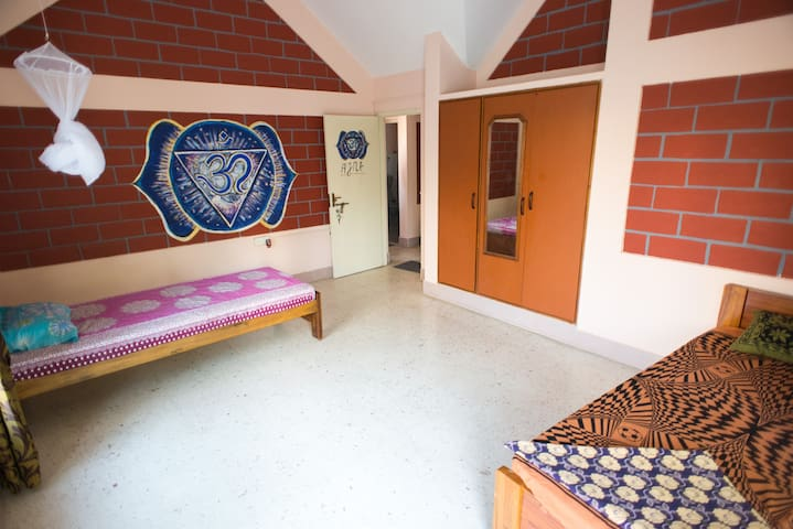 """""""Ajna"""" twin bed room"""