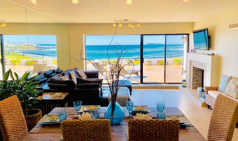 Luxurious Oceanfront Villa - Breathtaking Views!