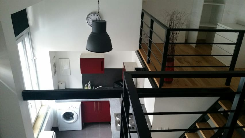 loft contemporain tout équipé tout confort.