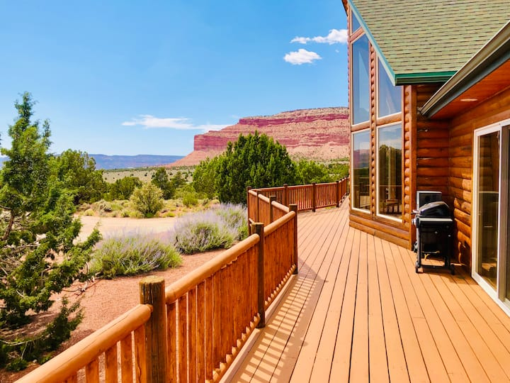 Kanab 60 Acre Hidden Treasure Home -