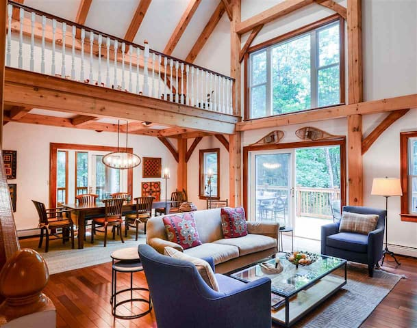 Quechee, VT Luxury 5BR Post and Beam Home