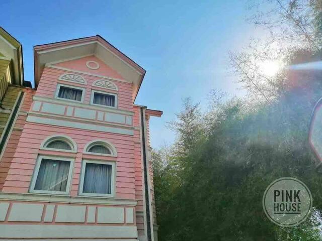 WEDDING PREP @ Pink Townhouse Pontefino Residences