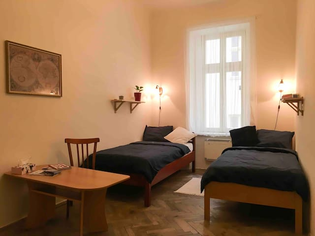 Private cozy room for 2 - Brno historical center
