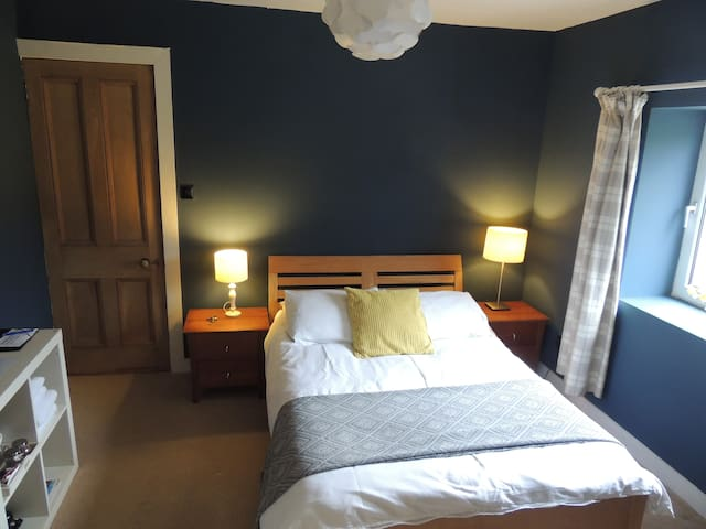 Welcoming B&B former Hunting Lodge Loch Lomond #2 - Alexandria - Bed & Breakfast