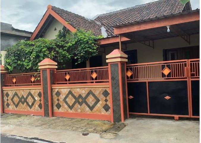 nDalem Prameswari - all house w/ affordable price
