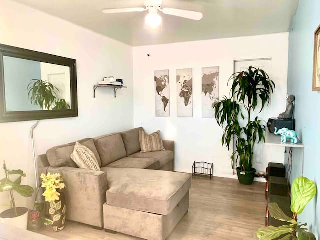 1 bed 1 bath near LAX ,Venice ,Santa Monica