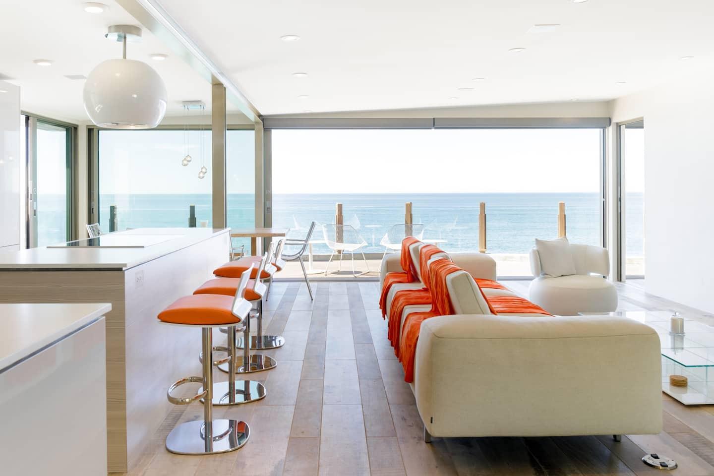 Del Mar Airbnb - true luxury across from the ocean!