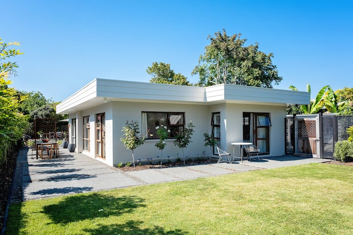 Te Awanga - Private Retreat Near the Beach