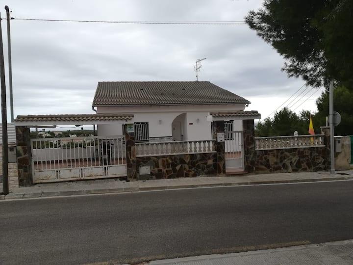 casa amplia con vistas a la playa