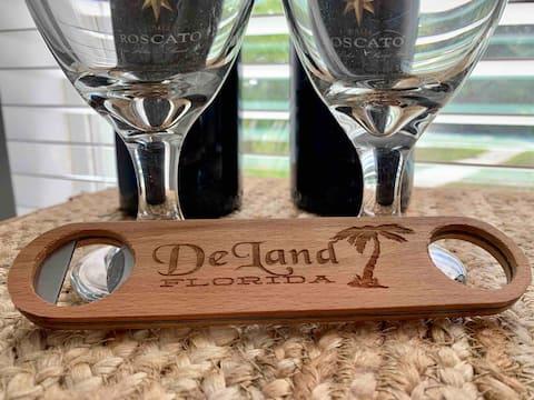 DeLand Charmer- Near Daytona Beach and Orlando