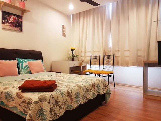 DOUBLE ROOM WITH BATHROOM #02 NEAR THE SHORE MALL