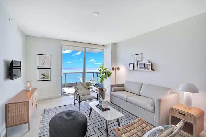 Dharma | Miami Beach | Executive Tower 1BR | Ocean Front View + Private Balcony and Den