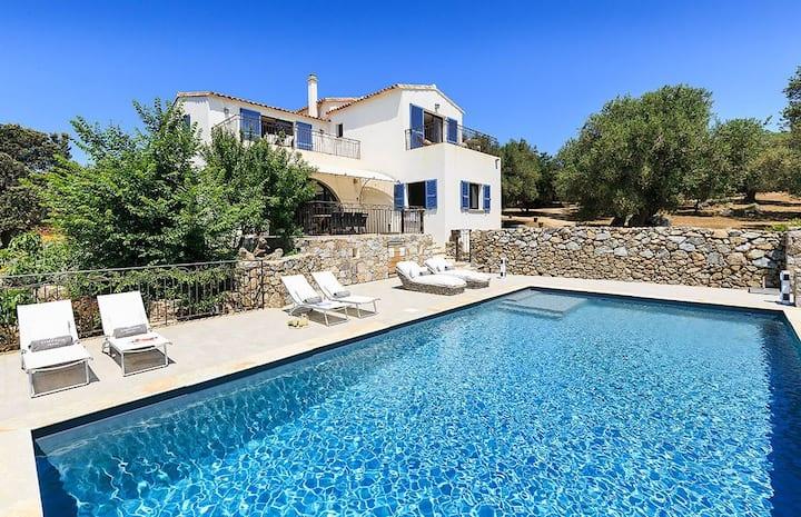 Magnifique villa en Balagne avec piscine privée