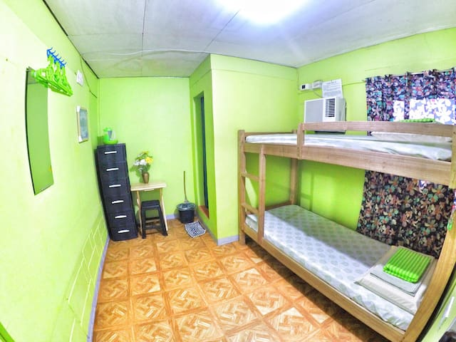 Backpackers room in Downtown Davao 2