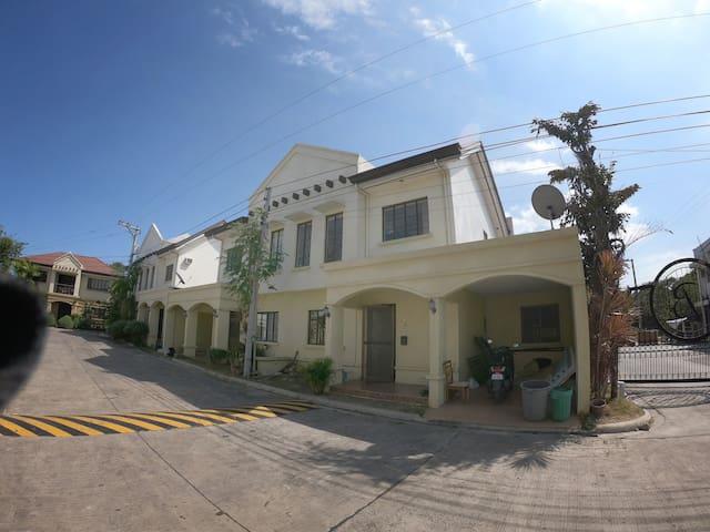 Eli's house in Mactan(Near Gaisano Grandmall)