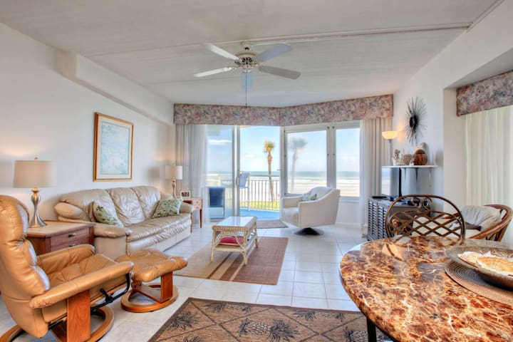 Enjoy more privacy in this south-eastern end ground unit.