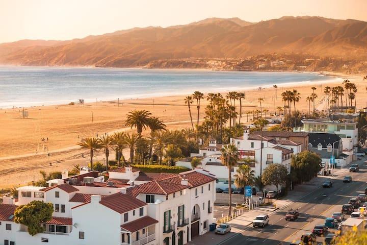Santa Monica Entire apt 2 minutes from the beach