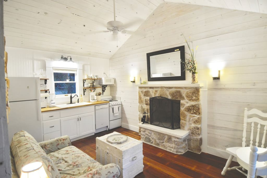 Deer Run Cottage features a small kitchen for guests who plan on cooking in. We stock coffee & filters, tea &  sugar.  Try our farm fresh eggs from the chicken coop!