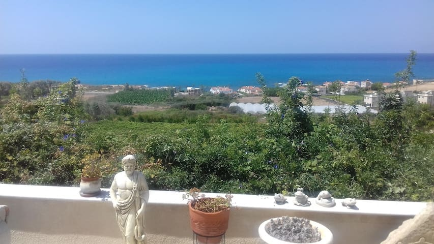 2 Bed Detached House With Gorgeous Sea/Sunset view