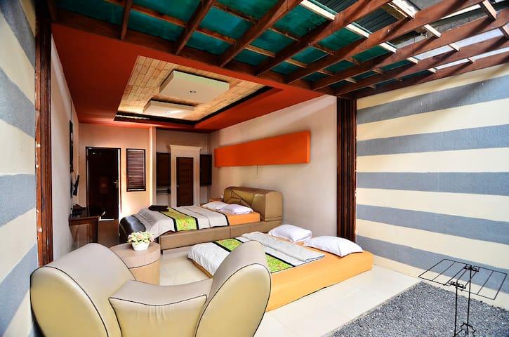 THE VILLAGE BUMI KADAMAIAN - Caringin - Bed & Breakfast