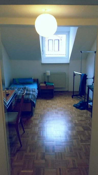 Zimmer - room