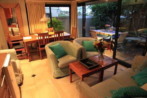 Exclusive garden apartment in Tamboerskloof