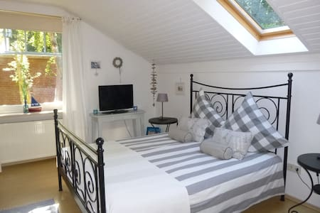 Charmantes Bed & Breakfast  - Norden