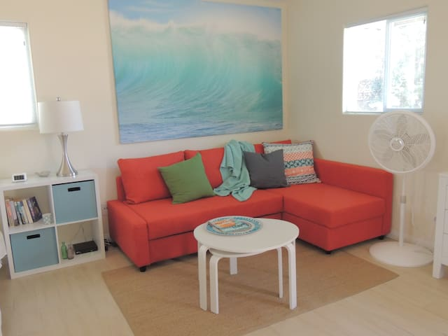 Coastal Studio w/patio, above downtown Encinitas - Encinitas - Pension