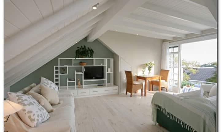 Tree Tops, Camps Bay, Self Catering