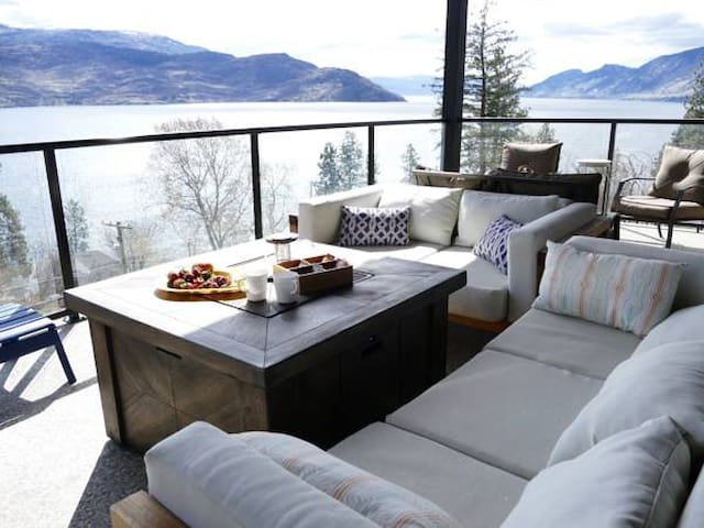 Incredible Lake View Home in Peachland - Peachland - Ház