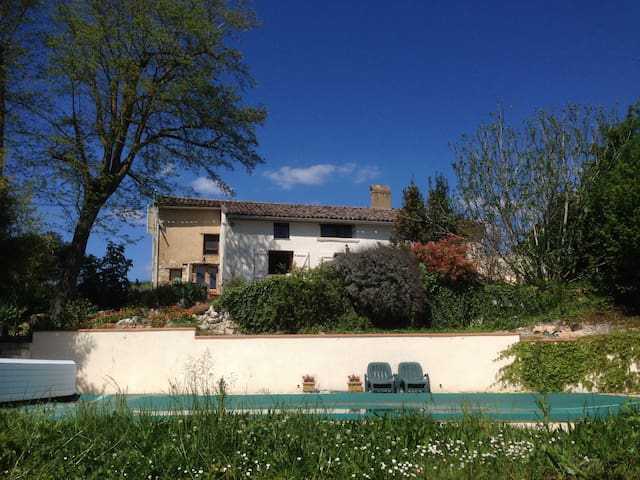Charming farmhouse with pool near Toulouse - Bardigues